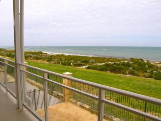 Ledge Point Village - Villa 16 - Beachfront Ocean Views