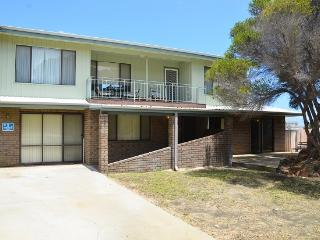 The Castle - Close To All Amenities, Lancelin