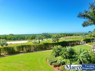 Relaxing beachfront condo w/ heated pool in a tropical garden setting, Isla Marco