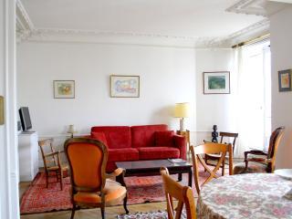 parisbeapartofit - Exceptional location 2BR/1BA Condo- Lagrange (95)