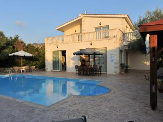 Argaka Beach Location - 4 Bed Villa - Private Pool