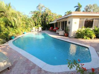 Casa del Sol--Your private tropical paradise!  2 BR, 2 BA., Fort Lauderdale