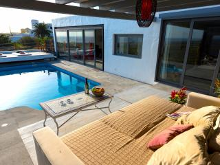 Pool to main lounge