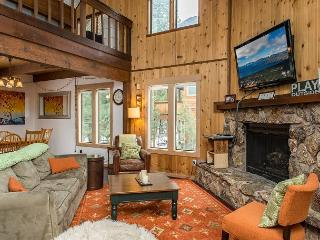Rustic & Inviting in Tahoe Donner – Sleeps 9