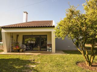 Recanto da Bela Vista/ Full house and garden. Good for family and friends