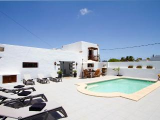 Modern & Cozy Mozaga Studio, Tiagua. An Authentic Deluxe Canarian House.