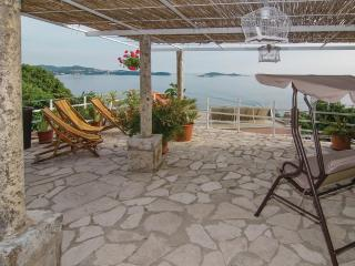 Holiday house near Dubrovnik for 8 to 10 persons