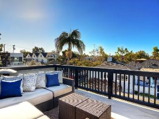 Jasmine Ave. - STUNNING 3BR/3.5BA NEWLY UPGRADED HOME IN CDM VILLAGE, Newport Beach