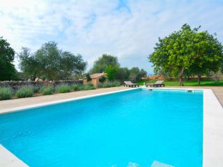 OFFER! Beautiful house with pool in Mallorca, Muro
