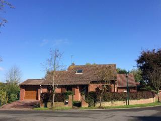 Maison avec jardin 8 kms de Lille (20 mns en metro), parking