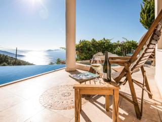 Perfect pleasure...... This view from all 4 villa levels guests are always delighted and impressed