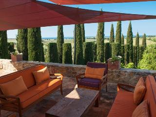 Magnificent Villa and Gardens with Pool in Southern Tuscany, Near Sea, Capalbio