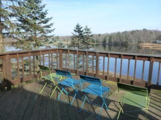 Beach, Lakefront & Ski Family Getaway, Pocono Lake