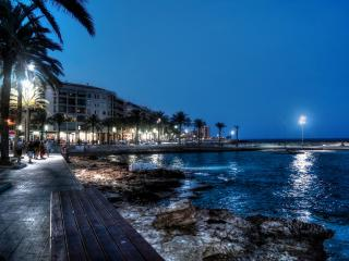 Villamartin Apt 2 Bed 2 Bath Modern Beaches, Golf, Sun & Fun !!!
