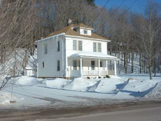 Two-Story, 3-Bedroom Family Home, Windham