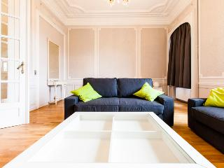 Schuman Square - EU Apartments - with billiard table, Etterbeek