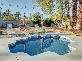 Walk to El Paseo Dr. from this upscale home for 9 + 1 dog!, Palm Desert