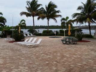 Boca Ciega Resort Condo Resort and Marina, Bay Pines