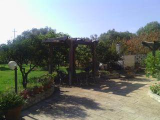 VILLA NEAR GALLIPOLI - WITH GARDEN, Galatone