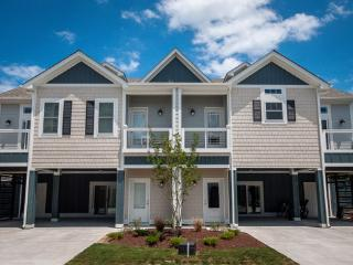 Beacon Villas - Brand New, 4 BR Townhome, Hot Tub, Corolla