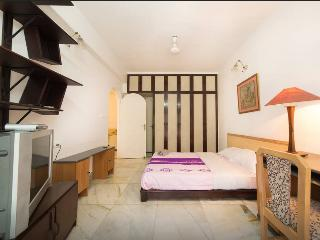3b.Trendy bright cozy room(MG Road), Bengaluru