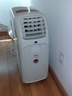 Ar condicionado portátil no segundo quarto