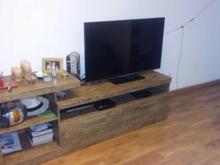 Rack com TV LCD 40 polegadas e SKY completa