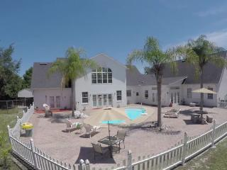 Orlando Daytona New Smyrna, Deltona House Sleeps12