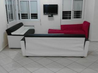 Beach Side 6 Bedrooms Luxurious Villa Ref 1099, Agadir
