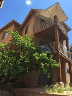 Sedona Guest Villa at Oak Creek Canyon features three bedroom suites