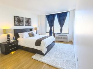 Sleek 2 Bedroom, 2 Bathroom Apartment in WIlliamsburg - Pet Friendly, New York City