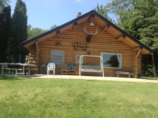 Vincent Lake Log Cabin