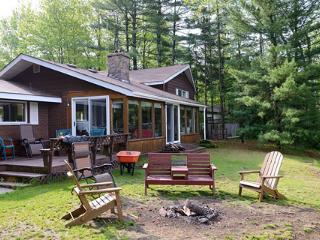 "Canada's ""DREAM GETAWAY"" Cottage"