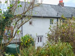 CORNFLOWER COTTAGE, period property, pet-friendly, lawned gardren, walks in