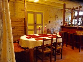 Gîte médiéval Saint-Nicolas, 8 à 11 personnes