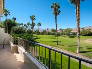 X-Large Condo on PGA West Nicklaus Course, Pool and Spa Access