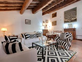 Historical Apartment From 16 th Century, Florence