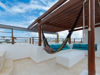 STUDIO ONE 408 LUXURIOUS PH WITH JACUZZI, Playa del Carmen