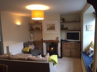 Cil Haul seaside pet friendly cottage near Criccieth Castle