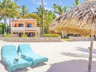 Beach Villa Monica 4 guests + WiFi, Punta Cana