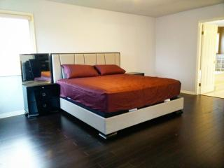 Spacious master bedroom, Richmond
