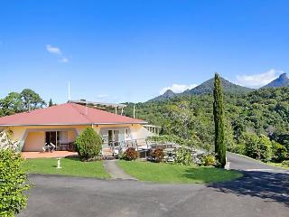 A View of Mount Warning Bed and Breakfast, Murwillumbah