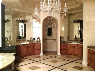 Luxury Estate Lake front home/ Central Disney Area, Orlando
