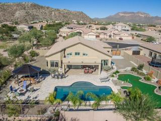 Luxury Oasis Home - Large Heated Pool-Putt Green, Mesa
