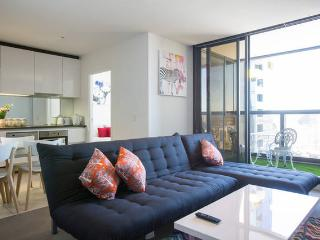 Melbourne CBD 2Br 2Bth Apt with Great View & Pool