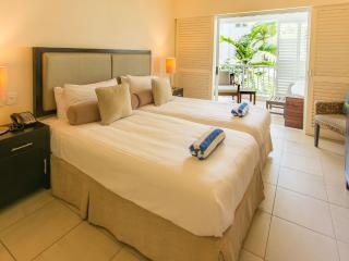 Peppers Beach Club Oasis 3322 - Waterfront Resort Spacious 2 Bedroom Apartment Sleeps Up To 6, Palm Cove