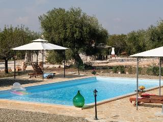 Trullo Gemelli: Countryside Trullo with Pool, Castellana Grotte