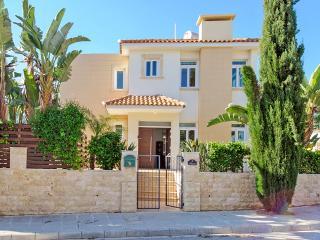PRMEA36 - 3 bedroom villa in Protaras