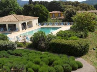 Appartement en résidence avec piscine F392, Sainte-Maxime