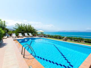 ★Private Beach★Large Villa Katerina w/ Private Pool, also ideal for Weddings!